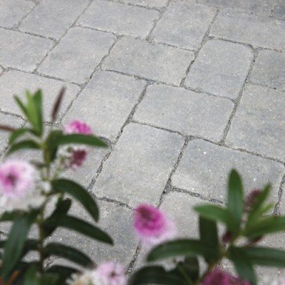 Bradstone Woburn Rumbled Infilta Permeable Block Paving Graphite