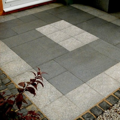 StoneFlair by Bradstone Natural Granite Paving Graphite